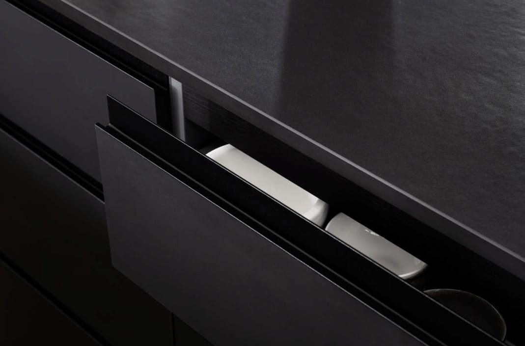 Minimimalist kitchen drawer